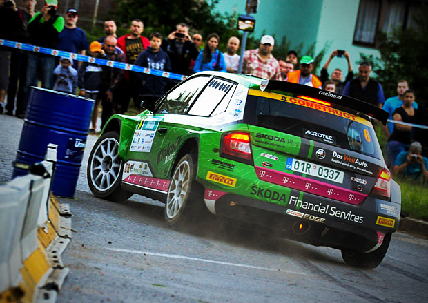 Racing 21 na Rallye Hustope�e 2016: Den prvn� (video)