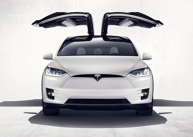 Tesla ve druh�m �tvrtlet� op�t nedos�hla pl�novan�ch dod�vek