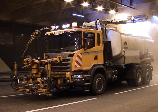 Scania G 410 6×4*4 s nástavbou Trilety pro čistění tunelů (+video)