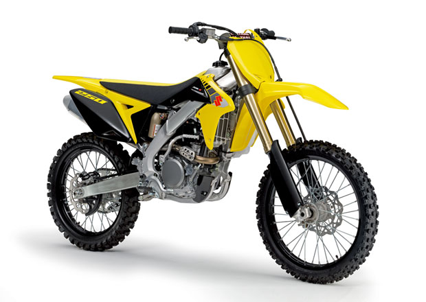 Suzuki omlazuje design řady RM-Z