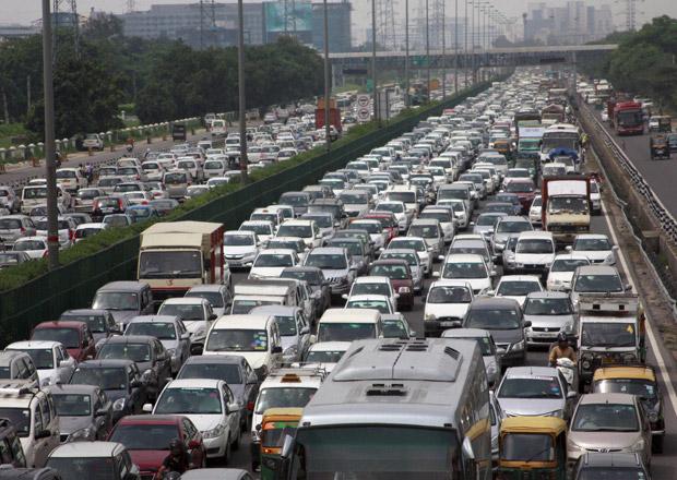Starší naftová auta v Dillí musejí ze silnic, nařídil soud