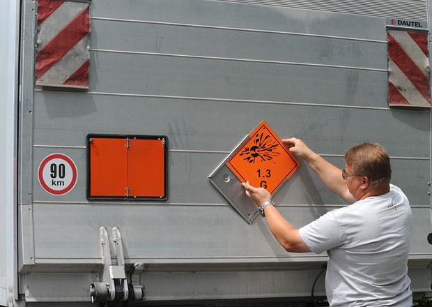 Přepravovali jsme výbušniny: Oranžové (ne)bezpečí