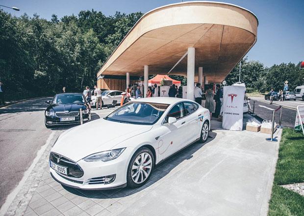 Majitelé tesel se dočkali, u Humpolce otevřel první supercharger v ČR