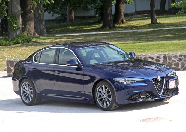 Alfa Romeo Giulia doplňuje nabídku. Známe ceny benzinového 2.0 Turbo