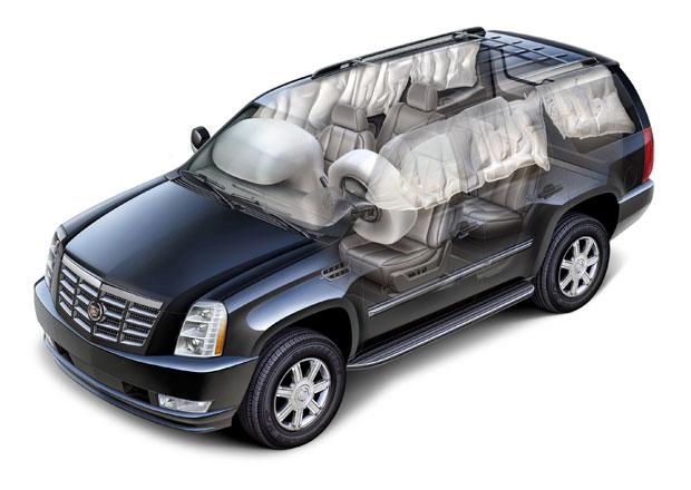 GM možná svolá další miliony aut kvůli airbagům Takata