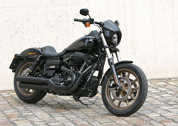 Harley-Davidson Low Rider S: Jízda načerno