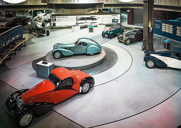 Dvě největší sbírky Bugatti na světě. Která je lepší?