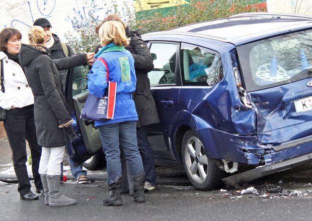 Stále více řidičů nedodržuje bezpečnou vzdálenost. Je to třetí nejčastější prohřešek!