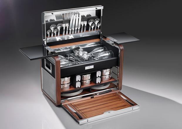 Rolls-Royce: Milionářský piknikový kufřík na rozloučenou s Phantomem