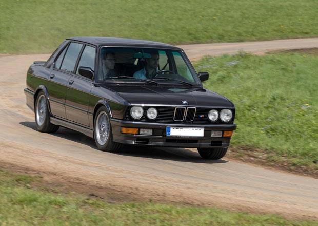 """Za volantem BMW M 535i: """"EmPětka"""" pro chudé"""