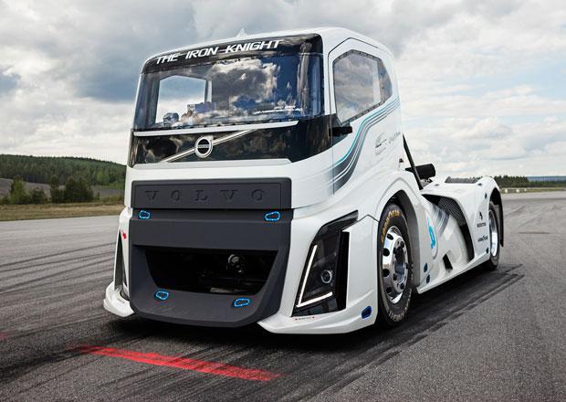 Volvo Trucks: The Iron Knight pokořil dva rychlostní rekordy (+videa)