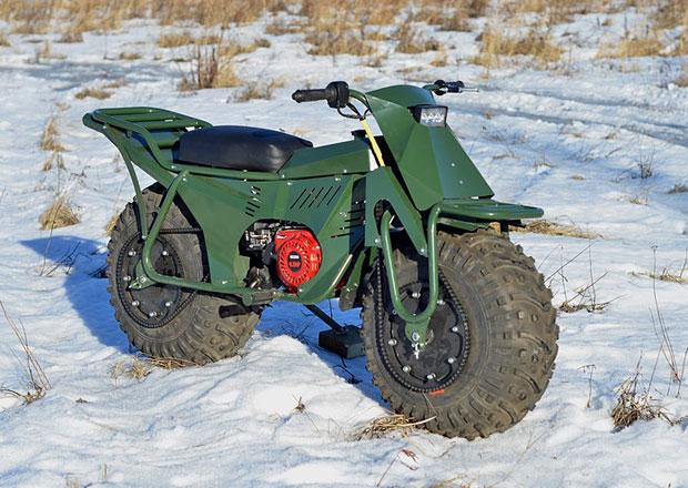 Skládací ruská motorka. Rozebraná za 5 minut a cena necelých 30.000 Kč