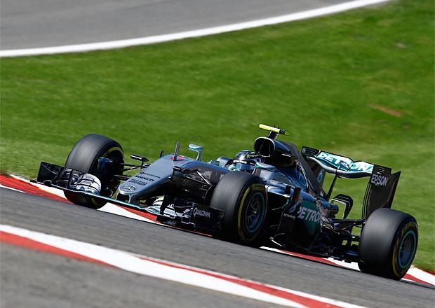 VC Belgie F1 2016: Po divokém úvodu zvítězil Nico Rosberg