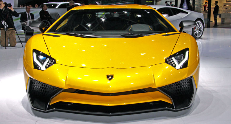 Lamborghini pl�nuje do roku 2019 zdvojn�soben� v�roby. Bude SUV?