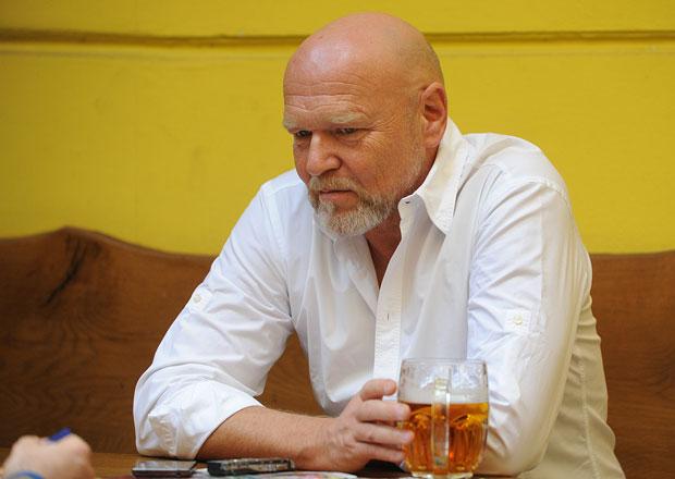 Rozhovor s Markem Vašutem: Už jezdím jako Hrušínský ve Vesničce