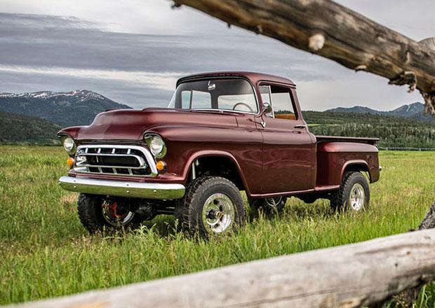 Chevrolet NAPCO 4x4 pick-up. Jako z padesátých let jen vypadá