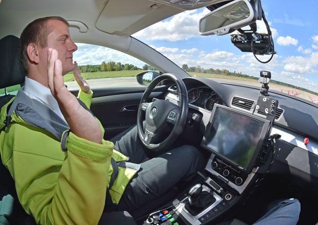 Zkoušeli jsme autonomní auta: Nabourali jsme?