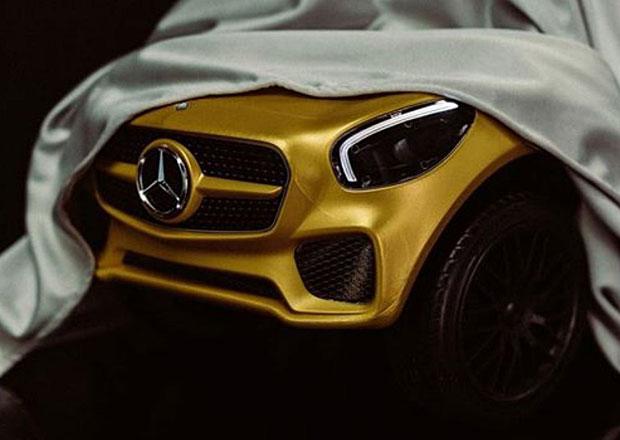 Mercedes-AMG ukazuje šlapací autíčko pro Paříž. Zatím jen zčásti...