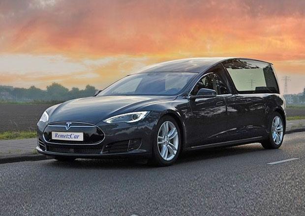 Tesla Model S: Remetzcar udělali z elektromobilu... Pohřebák