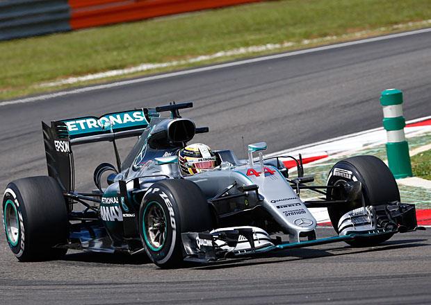 VC Malajsie F1 2016: Rosberg dělal v kvalifikaci chyby, Hamilton králem