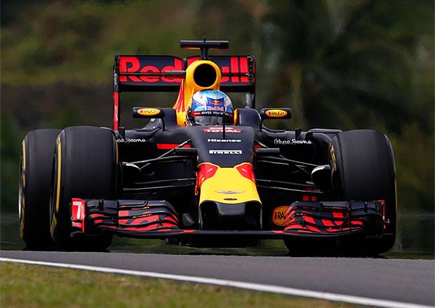 VC Malajsie F1 2016: Dvojvítězství Red Bullu, Hamiltonovi shořel motor