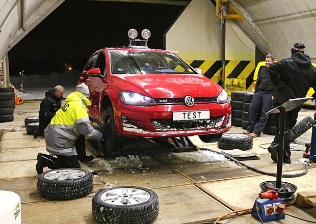 Test zimních pneumatik: Celoroční gumy nepřesvědčily
