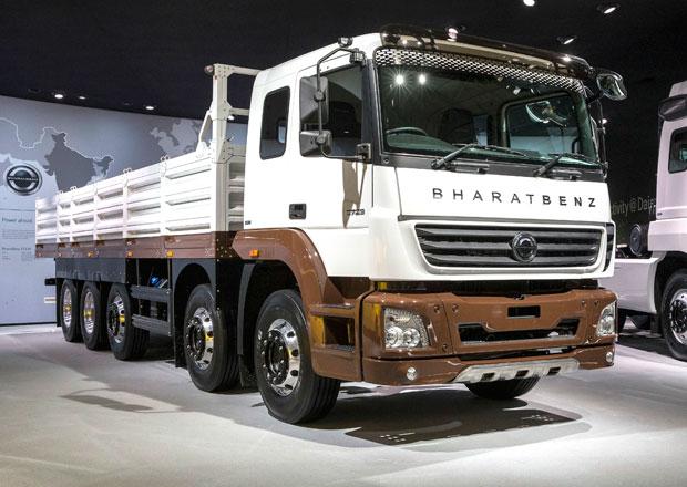 Daimler Trucks a jeho stroje z celého světa