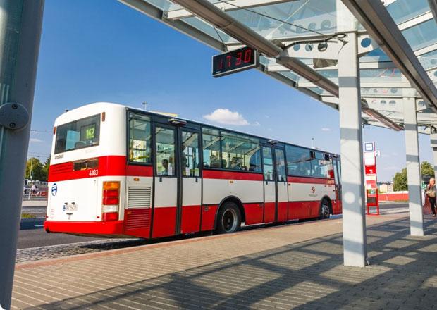 V�t�� z�cpy v Praze? Pl�nuj� se dal�� pruhy pro autobusy