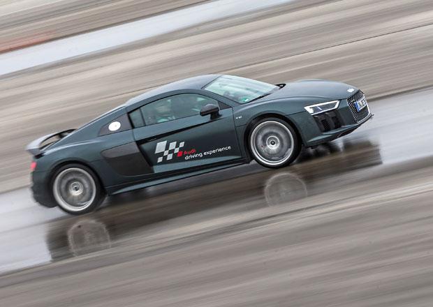 Za volantem TT RS a R8: Překvapení a šok...