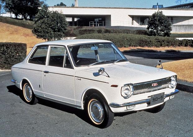 Toyota Corolla začínala jako malý vůz pouze pro Japonsko