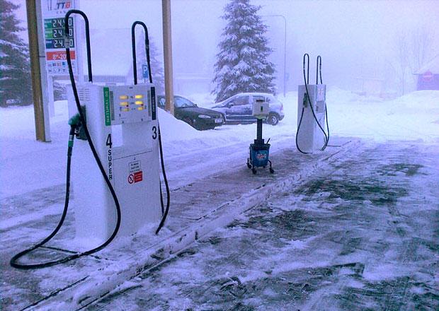 Proč je lepší tankovat naftu až v prosinci? A kdy se používá arktická nafta?