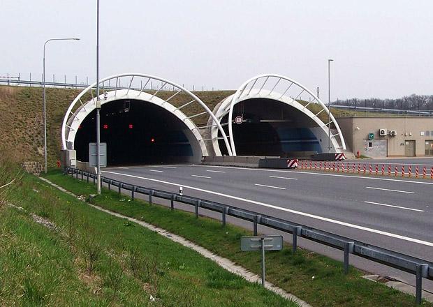 Konečně méně kolon v Praze? Znovu se otevřel Lochkovský tunel!