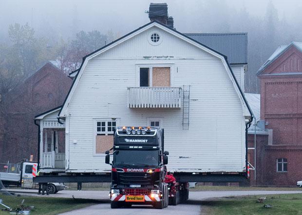 Scania si poradí i s transportem domů (+video)