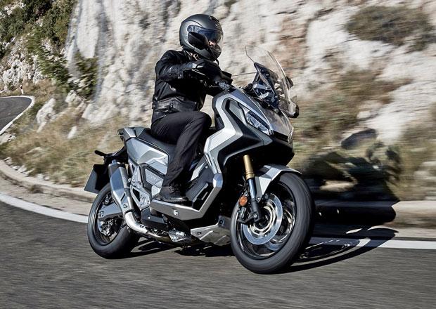Honda X-ADV: Tento skútr se terénu nebojí (+video)