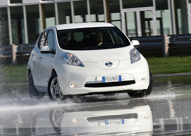 Driftovali jsme s Nissanem Leaf! Blbost? Jenom se podívejte!