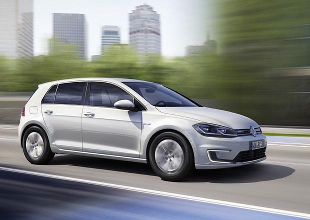 Modernizovaný Volkswagen e-Golf dobijete za hodinu. Je silnější a dojede dál