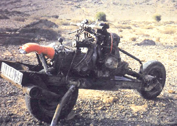 Máte rozbité auto? Postavte si z něj motorku!
