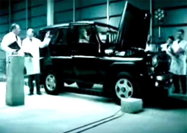 Video: UAZ Hunter v podivném crash testu. Rusové okopírovali i německou reklamu!