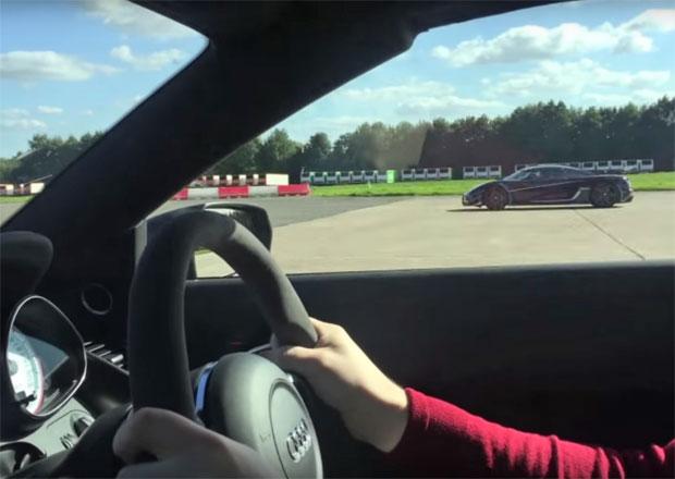 Video: Když je rychlé auto zoufale pomalé. Audi R8 GT Spyder vs. Koenigsegg One:1