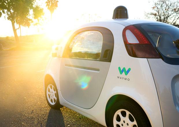 Google mění plány na projekt samořízených aut