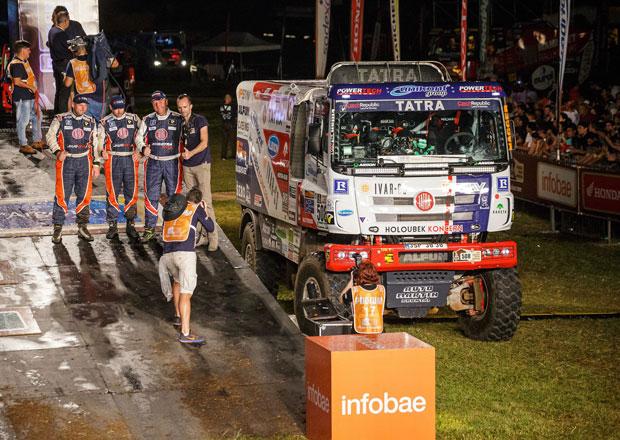 Rallye Dakar 2017: Kolomý ohodil fanoušky bahnem