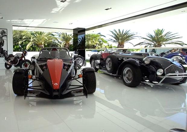 Jaká auta najdete v garáži nejdražšího domu v Americe?