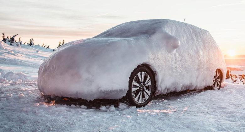 Vše kolem mrazu v autě: Jak vůz správně zahřívat? A co když zamrzne nafta?