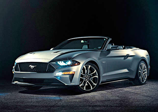 ford mustang convertible facelift pro rok 2018. Black Bedroom Furniture Sets. Home Design Ideas