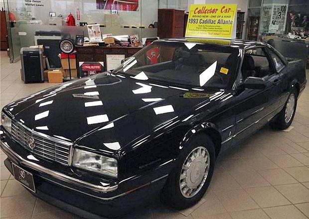 Chcete zbrusu nový Cadillac Allanté z roku 1993? Jeden nejetý je na prodej