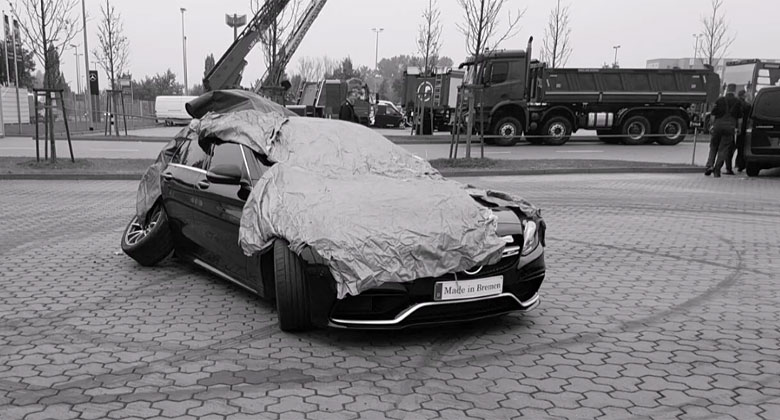 Video: Jak v efektním driftu poslat auto na totálku