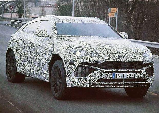 Lamborghini Urus poprvé zachyceno na silnici. Superrychlé SUV uvidíme už v dubnu