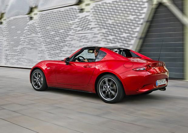 Mazda MX-5 RF má české ceny. Novou targu můžete mít i s automatem