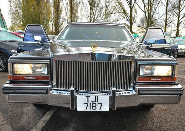 Na prodej je luxusní limuzína Donalda Trumpa. Po třiceti letech stojí pakatel