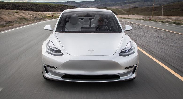 Tesla Model 3: Výroba začne v červenci. Opravdu?